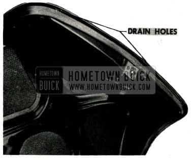 1952 Buick Trunk Lid Dustleaks