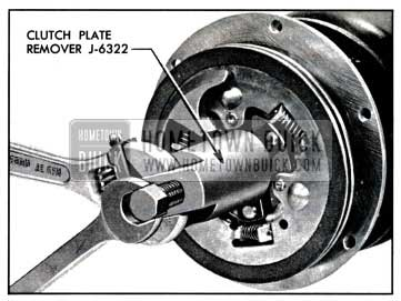 1957 Buick Removing Clutch Plates