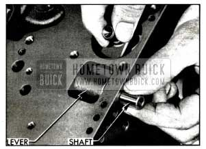 1958 Buick Installing Low Band Operating Lever and Shaft