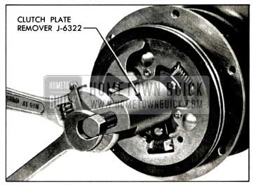 1958 Buick Removing Clutch Plates