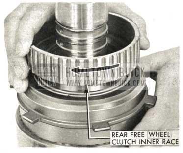 1959 Buick Triple Turbine Transmission - Insert Rear Free Wheel Clutch