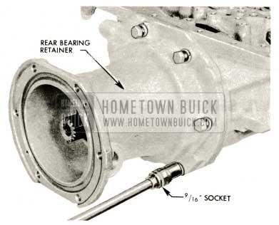 1959 Buick Triple Turbine Transmission - Remove Bearing Retainer
