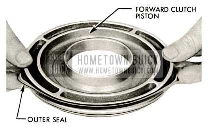 1959 Buick Triple Turbine Transmission - Sealing Ring on Forward Clutch Piston