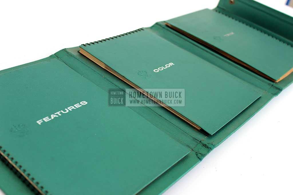 1959 Buick Showroom Album & Fabrics Book 05
