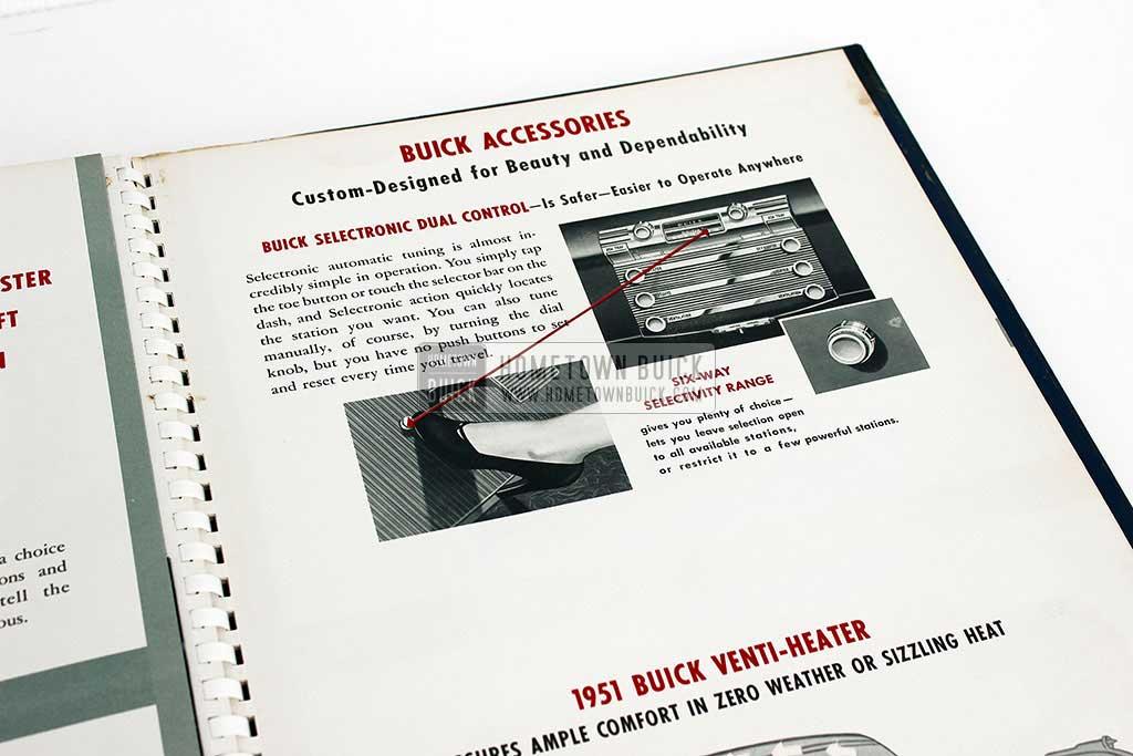 1951 Buick Showroom Album (big) 12