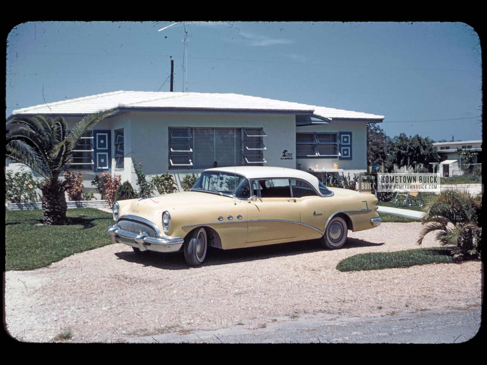 1954 Buick Super Riviera (001)